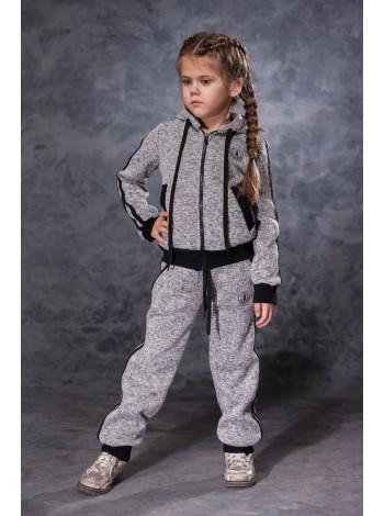 Утепленный спортивный костюм для девочки