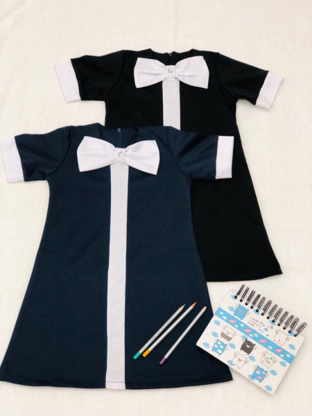 Шкільне плаття з коротким рукавом і манжетами