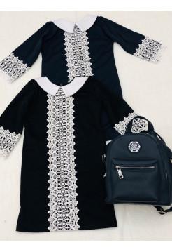 Школьное платье с белым воротником и кружевом