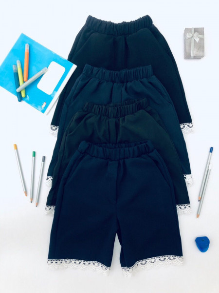 Шкільні шорти на резинці для дівчинки