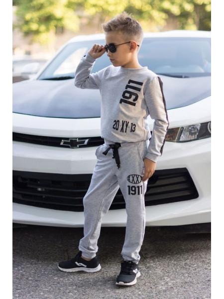 Модний трикотажний спортивний костюм для хлопчика