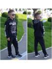 Трикотажный спортивный костюм с принтом для мальчика