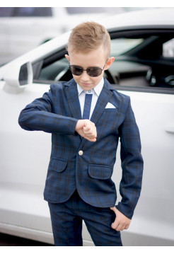Модный школьный костюм в клетку для мальчика