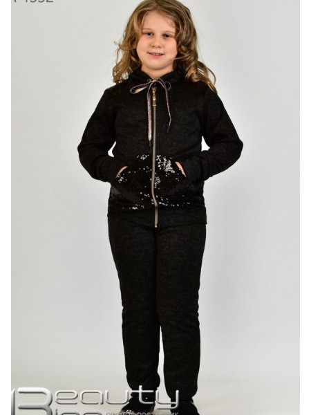 Чорний спортивний костюм дитячий в пайєтках