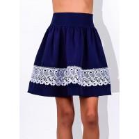 Красивая школьная юбка с кружевом белого цвета