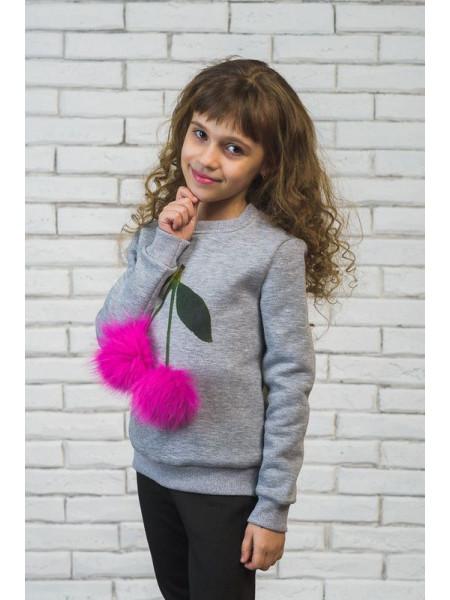 Свитшот детский с меховыми помпонами