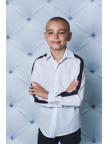 Белая рубашка для мальчика с черными лампасами