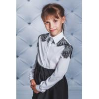 Красива блузка для дівчинки із чорним гіпюром