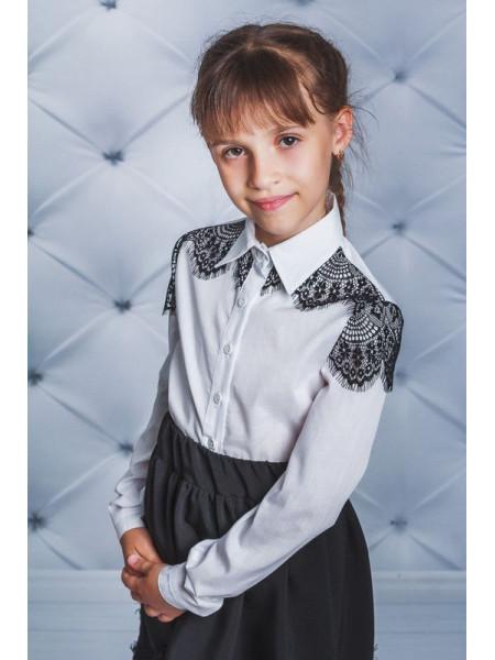 Красивая блузка для девочки с черным гипюром