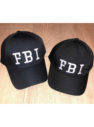Чорна кепка для дитини