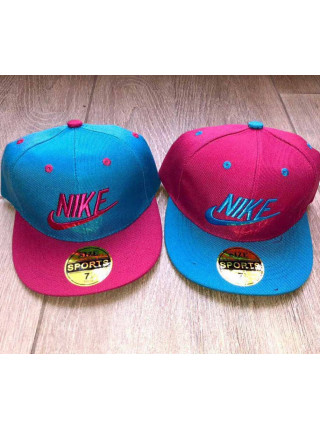 Кепка з прямим козирком для дівчаток Nike