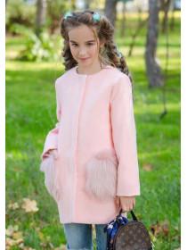 Детское пальто с меховыми карманами