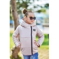 Короткая демисезонная детская куртка для девочки