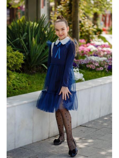 Нарядне шкільне плаття з білим коміром