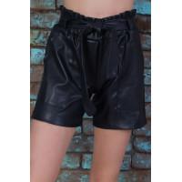 Короткие кожаные шорты для девочки