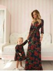 Нарядное платье в цветы для девочки