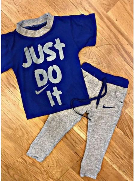 Спортивный костюм с футболкой и штанами