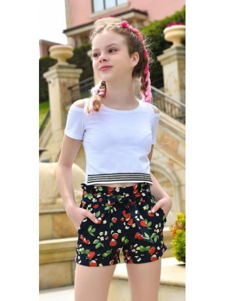 Короткие летние шорты для девочки