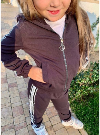Спортивный костюм на девочку