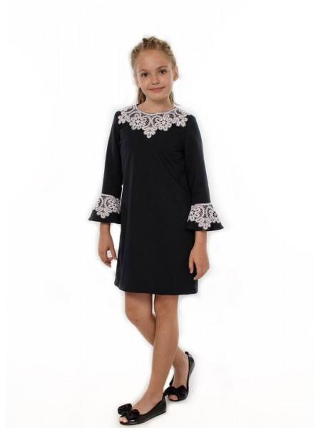 Школьное платье с кружевом