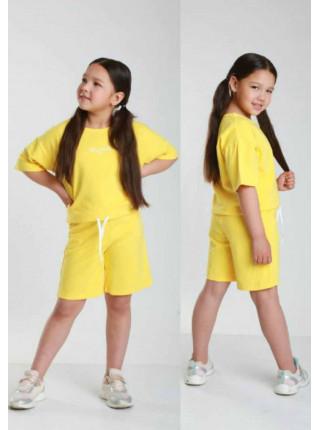 Літній костюм для дівчинки: шорти і футболка
