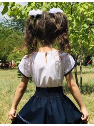 Нарядна блузка на дівчинку з коротким рукавом